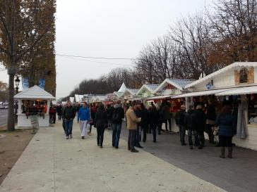 Christmas MArket Around Champs Elysees