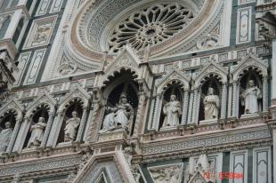 sculptures in Duomo Facade