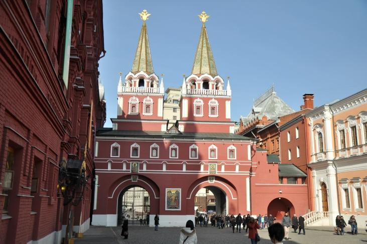 Resurrection (Voskresenskyie) Gates with Iverskaya Chapel
