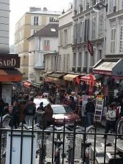 Busy Monmarte
