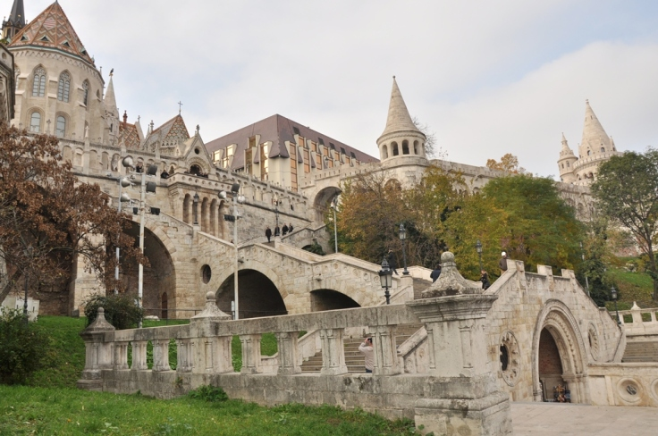 fisherman's bastion side pic