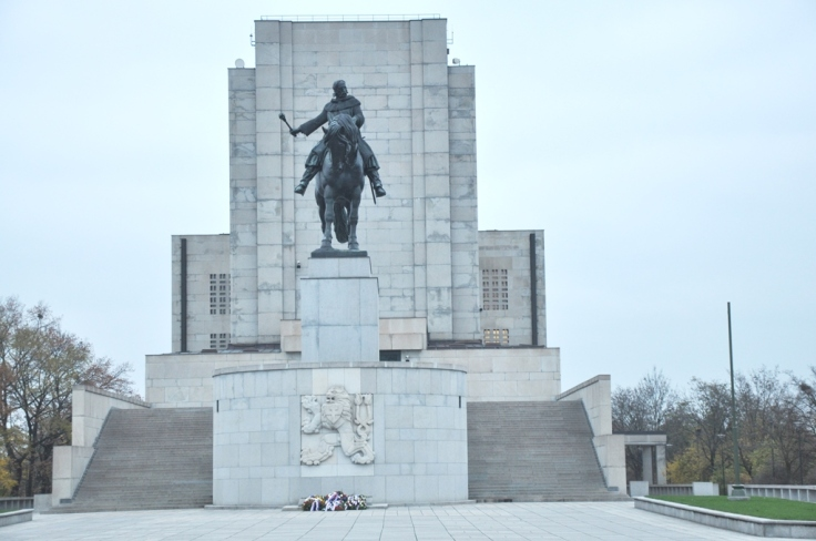 zizkov monument 2