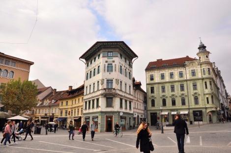 Preseren Square with Ljubljana Castle (2)