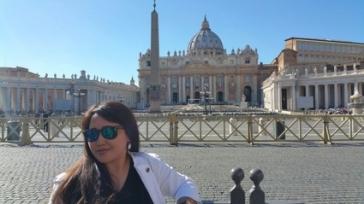 st. peters square nasilia -sister chapel- obelisk